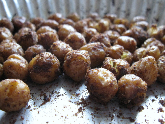 Spicy Moroccan Roasted Chickpeas