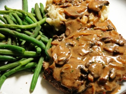 Slow Cooker Melt In Your Mouth Cube Steak And Gravy Tasty