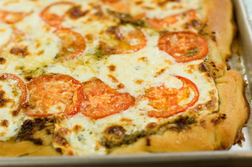 Tomato-Basil Pizza, Two Ways: An Experiment | Tasty Kitchen: A Happy ...