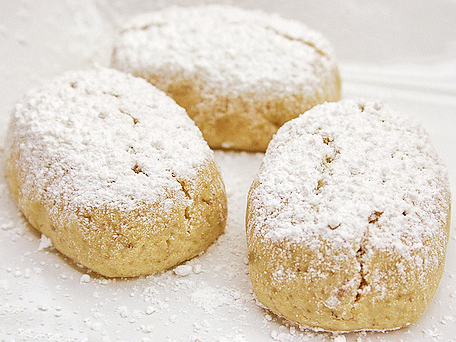 Polvorones A Traditional Spanish Christmas Cookie