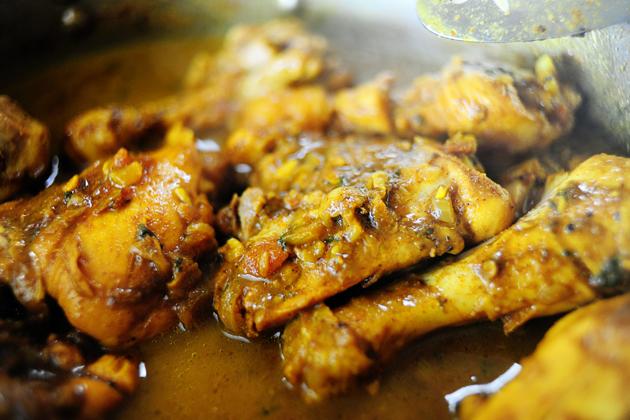 Chicken Kitchen Small Yellow Rice Size