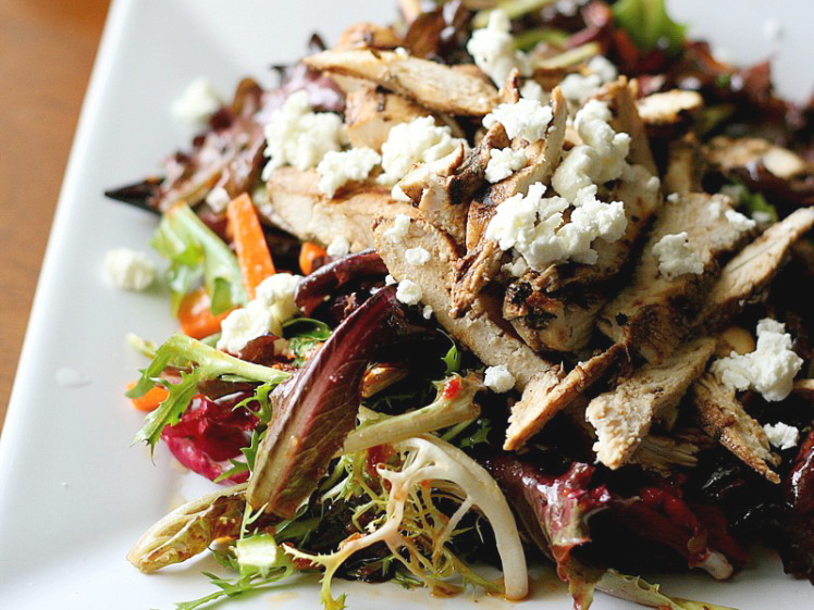 Balsamic Grilled Chicken Salad with Sun-Dried Tomato Vinaigrette ...