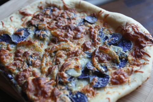 Purple Potato Pizza with Caramelized Onions & Rosemary | Tasty Kitchen ...