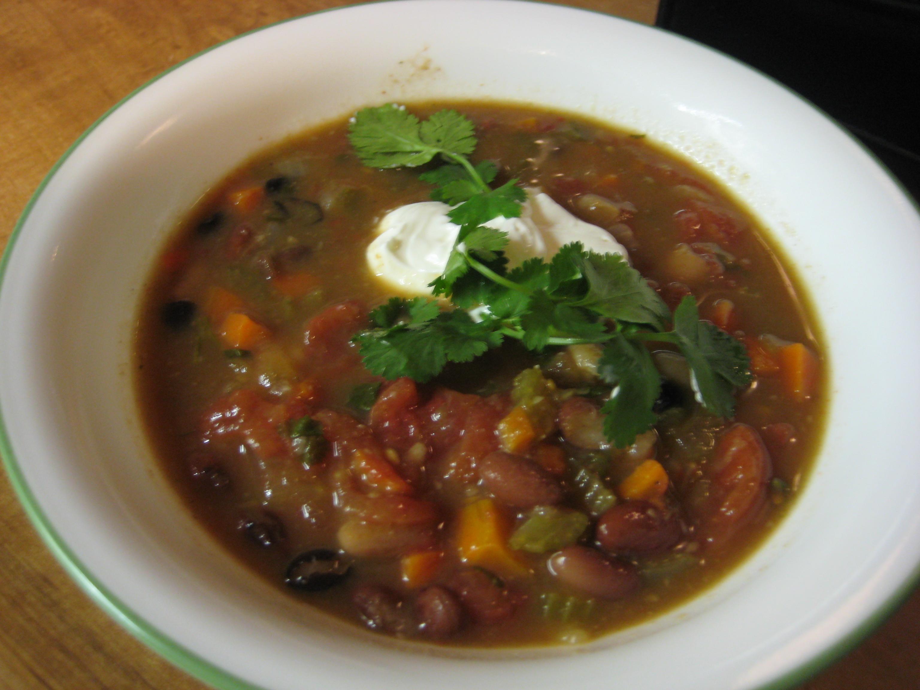 Острый суп с фасолью рецепт