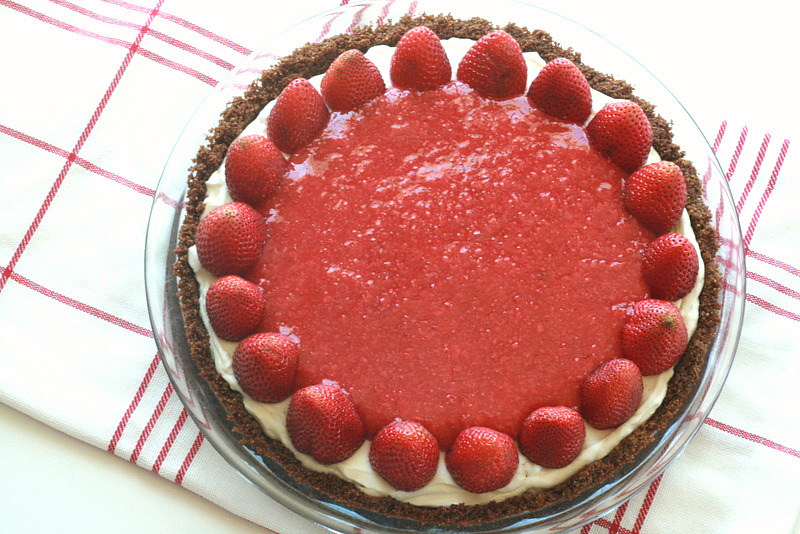 Strawberry Cheesecake Icebox Pie | Tasty Kitchen: A Happy Recipe ...