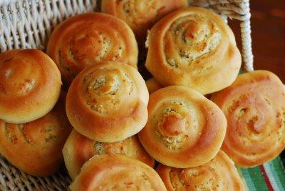Roasted Garlic Parmesan Rolls   Tasty Kitchen: A Happy Recipe ...