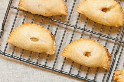 Peach Gujiya - An Indian Empanada Or Deep Fried Pie Recipe ...