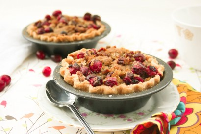 Mini Pumpkin Pies with Cranberry Pecan Crumble | Tasty ...
