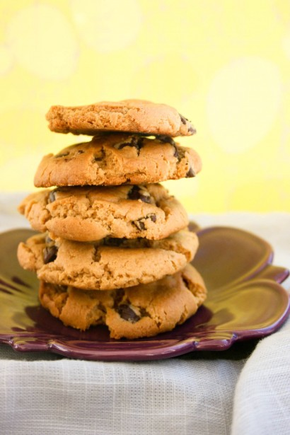 Flourless Peanut Butter Chocolate Chip Cookies | Tasty ...