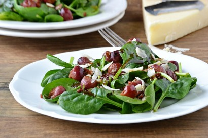 Spinach Salad with Roasted Grapes and Warm Balsamic Dressing | Tasty ...