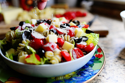 Cold creamy pesto pasta salad recipe