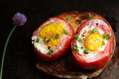 eggs with ham potatoes and tomatoes baked in a pepper baked eggs with ...