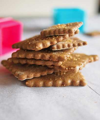 Graham Crackers (Gluten Free and Vegan) | Tasty Kitchen: A Happy ...