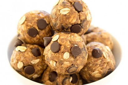 5 Ingredient Peanut Butter Energy Bites Tasty Kitchen A Happy Recipe Community
