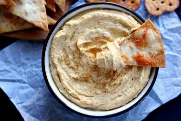 Whipped Garlic Hummus