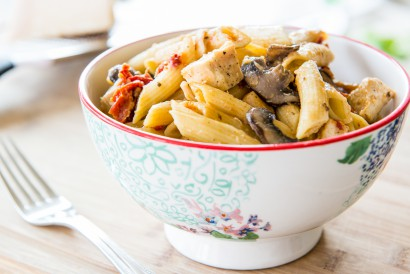 Baked Penne With Chicken And Sun-Dried Tomatoes Recipe — Dishmaps