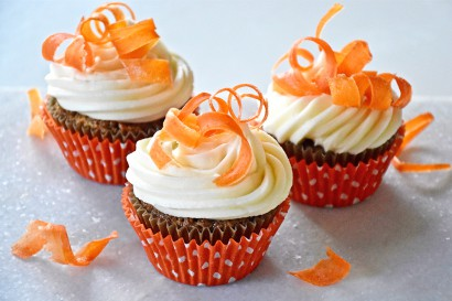 Carrot Cake Cupcakes With Candied Curls