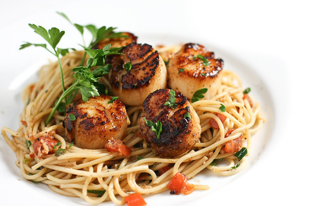 Tasty Kitchen Blog: Scallops and Pasta. Guest post by Jaden Hair of Steamy Kitchen.