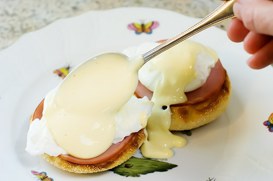 how to make blender hollandaise sauce 550px