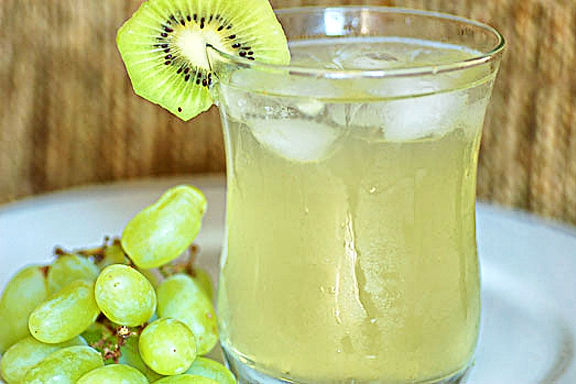 Tasty Kitchen Blog: Cinco de Mayo. Guest post by Jaden Hair of Steamy Kitchen, White Kiwi-Apple Sangria recipe submitted by TK member A Cozy Kitchen.