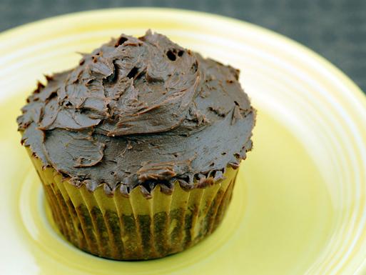 flourless-chocolate-cupcakes1