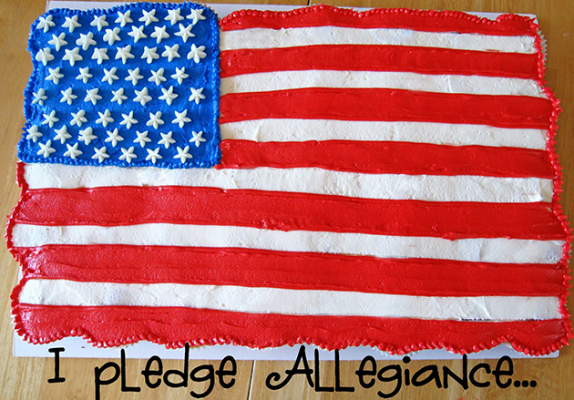 Tasty Kitchen Blog: Flag Day! Guest post by Jaden Hair of Steamy Kitchen (Cupcake Flag, from Cookies and Cups)