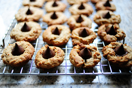 peanut butter kiss cookies 550px