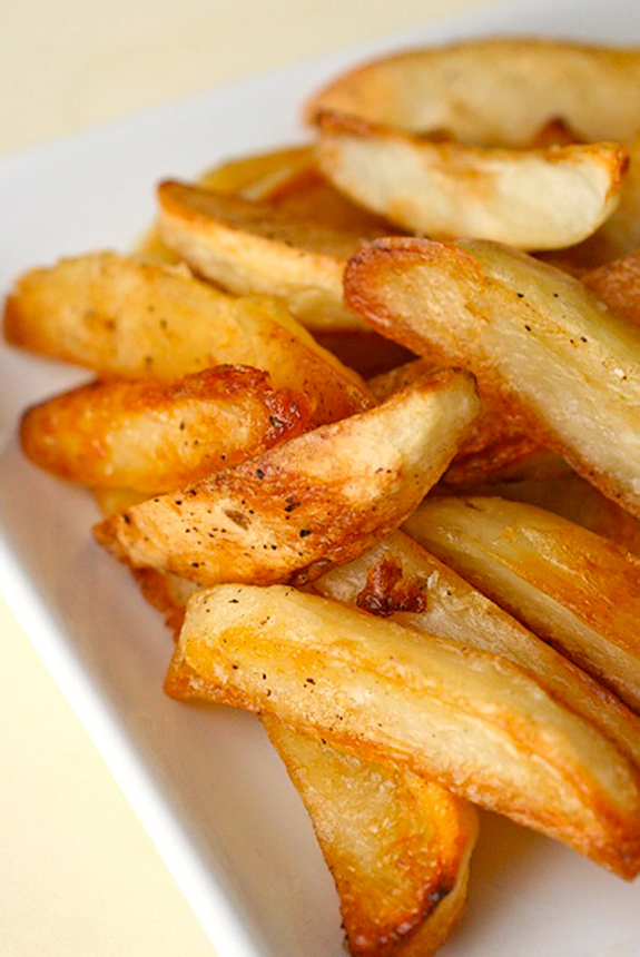 Tasty Kitchen Blog: Burgers, Shakes, Fries and Don't Forget the Apple Pie! (Baked Oven Fries, from TK member Annie's Eats)