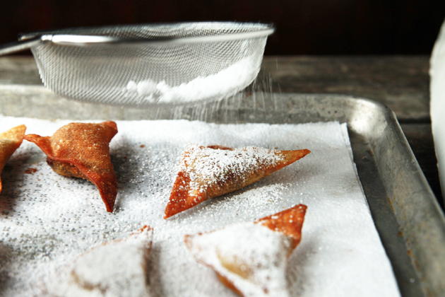 Tasty Kitchen Blog: Nutella and Banana Wontons. Guest post by Alice Currah of Savory Sweet Life, recipe submitted by TK member Miss Mischief (merediths757).