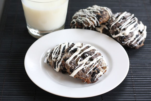 Tasty Kitchen Blog: Oreo Cheesecake Cookies. Guest post by Maria Lichty of Two Peas and Their Pod, recipe submitted by TK member Heather of Multiply Delicious.