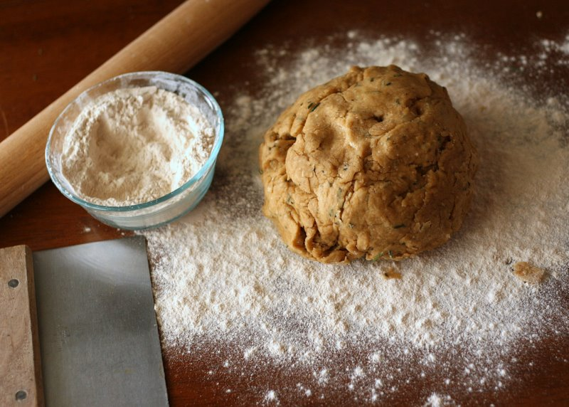 Tasty Kitchen Blog: Bakery Style Rosemary Flatbread. Guest post by Natalie Perry of Perry's Plate, recipe submitted by TK member culinarycapers.