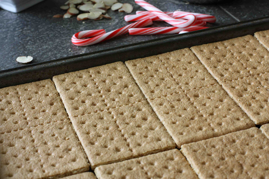 Tasty Kitchen Blog: Graham Cracker Cookie Bars. Guest post by Dara Michalski of Cookin' Canuck, recipe submitted by TK member margaretha.