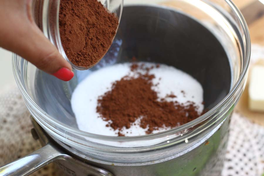 How to make hot chocolate from scratch with cocoa powder