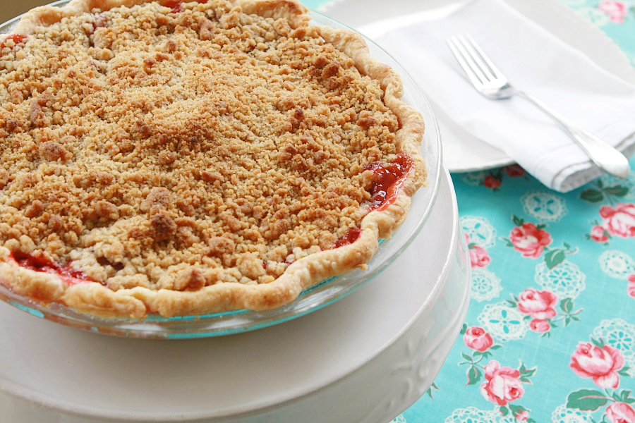 Tasty Kitchen Blog: Strawberry Rhubarb Pie with Streusel Topping. Guest post by Calli Taylor of Make It Do, recipe submitted by TK member Mel of Mel's Kitchen Cafe.