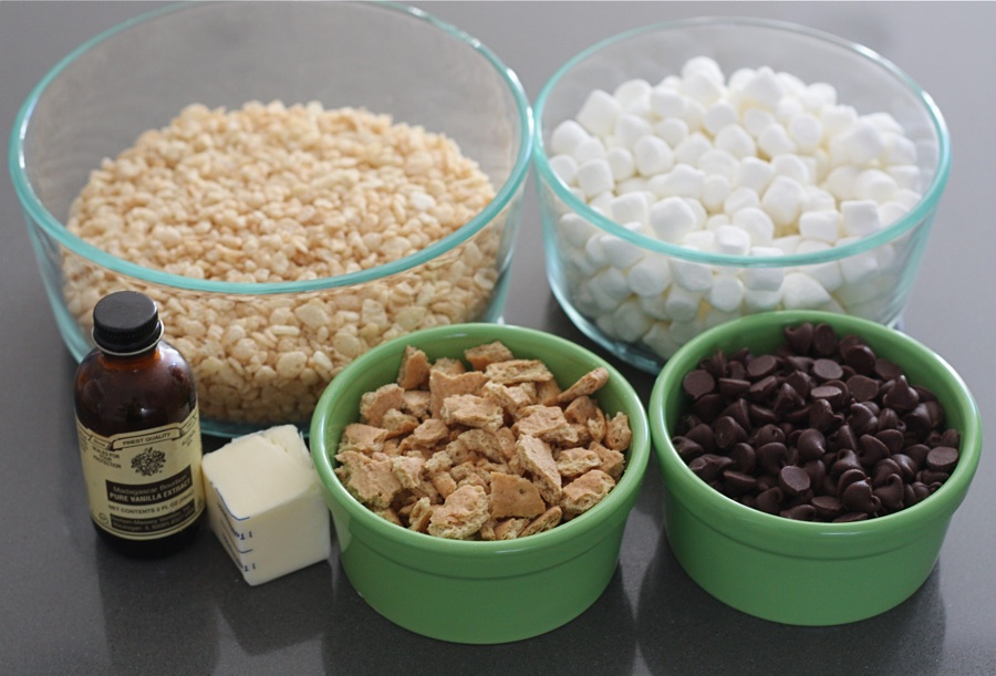 Smore rice krispie squares tasty kitchen blog tasty kitchen blog smore rice krispie squares guest post by maria lichty of ccuart Gallery