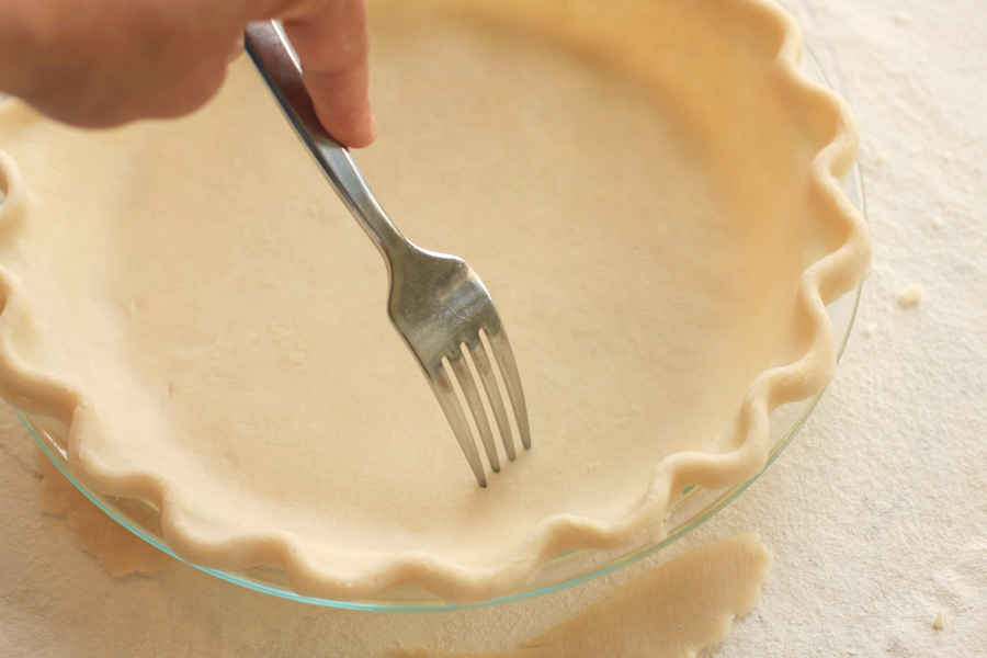 Tasty Kitchen Blog Pie Crust Tutorial. Guest post and recipe from Calli Taylor of Make It Do.