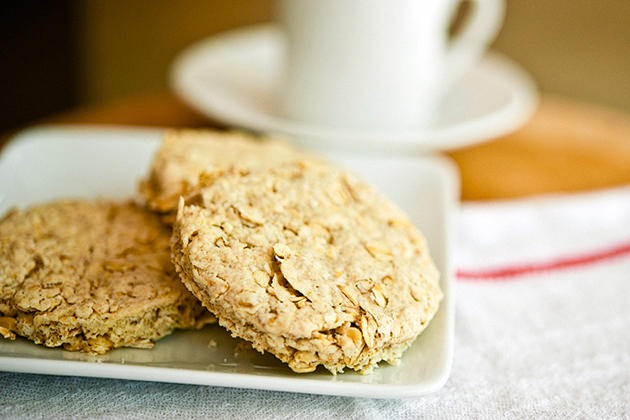 Tasty Kitchen Blog: Scottish Oat Cakes. Guest post by Georgia Pellegrini, recipe submitted by TK member Movita Beaucoup.