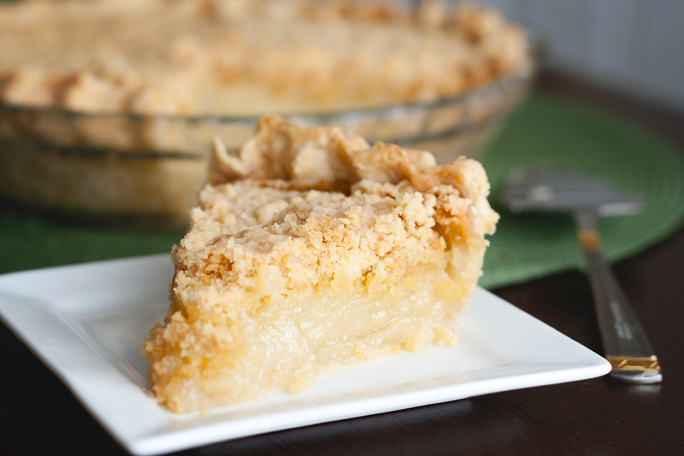 Tasty Kitchen Blog Vanilla Crumb Pie. Guest post by Amber Potter of Sprinkled with Flour, recipe submitted by TK member Tonya of 4 Little Fergusons.