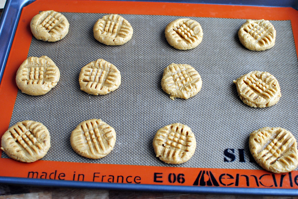 Tasty Kitchen Blog: Brown-Butter Peanut Butter Cookies. Guest post by Laurie McNamara of Simply Scratch, recipe submitted by TK member Melissa (bellelatte).
