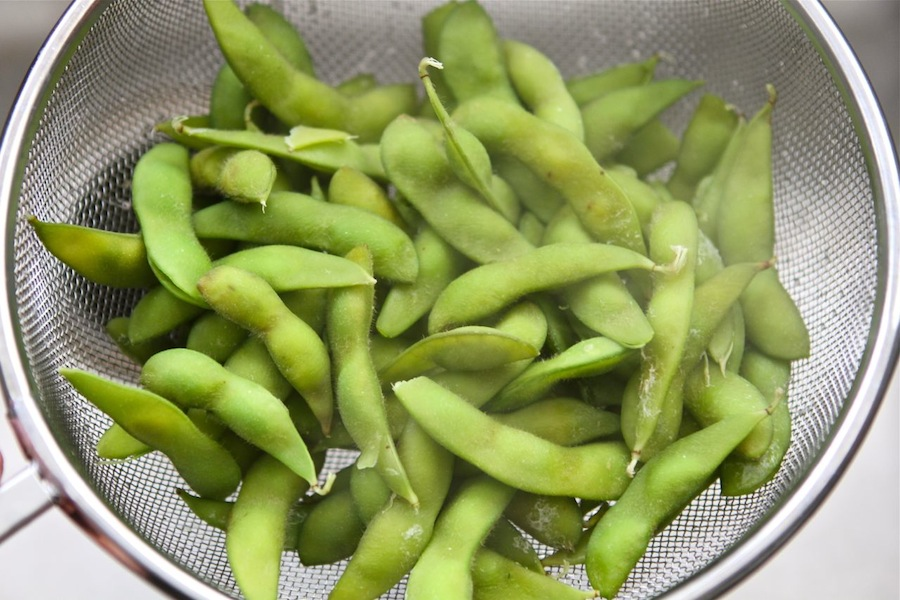 Tasty Kitchen Blog: Spinach and Edamame Salad. Guest post by Maria Lichty of Two Peas and Their Pod, recipe submitted by TK member Bev Weidner of Bev Cooks.