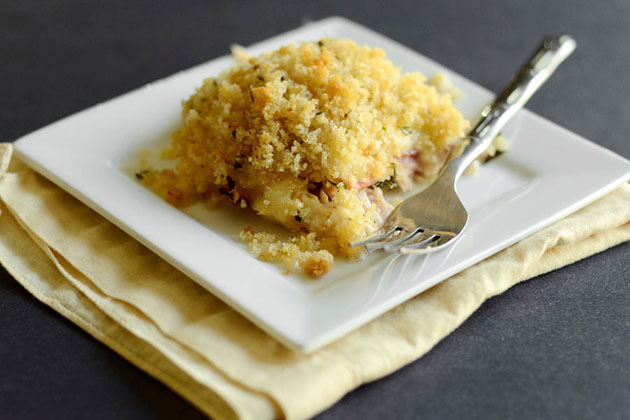 Tasty Kitchen Blog: Chicken Cordon Bleu Casserole. Guest post by Erica Kastner of Cooking for Seven, recipe submitted by Terri of That's Some Good Cookin'.