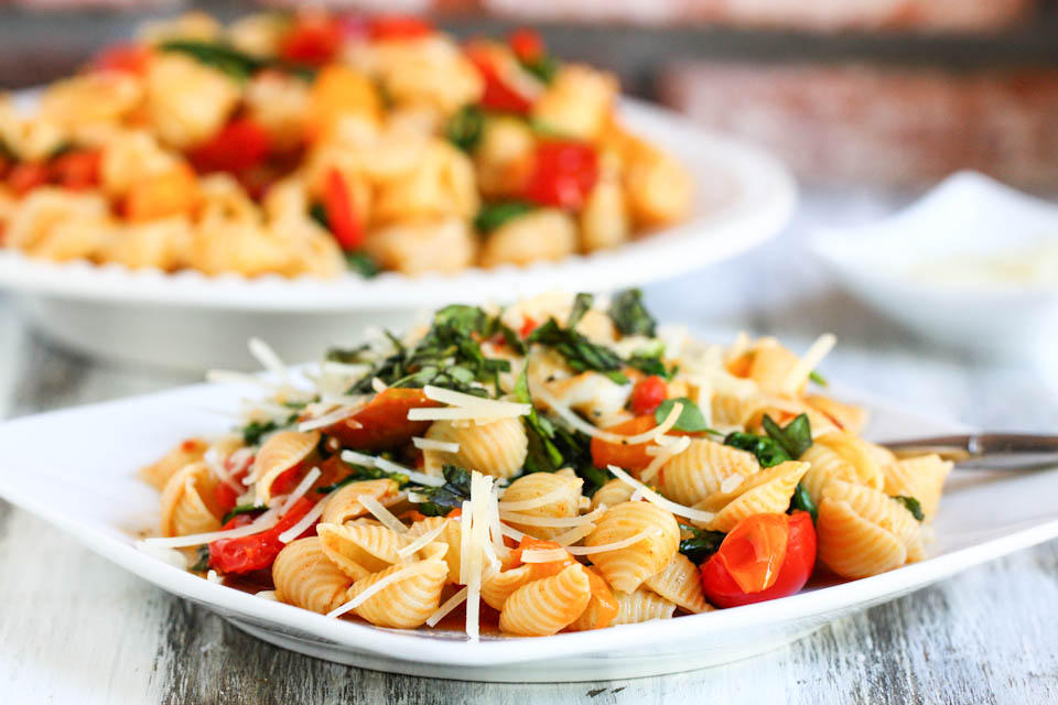 Tasty Kitchen Blog: Smoky Tomato, Roasted Red Pepper and Arugula Pasta. Guest post by Jenna Weber of Eat, Live, Run; recipe submitted by TK member Cassie of Bake Your Day.