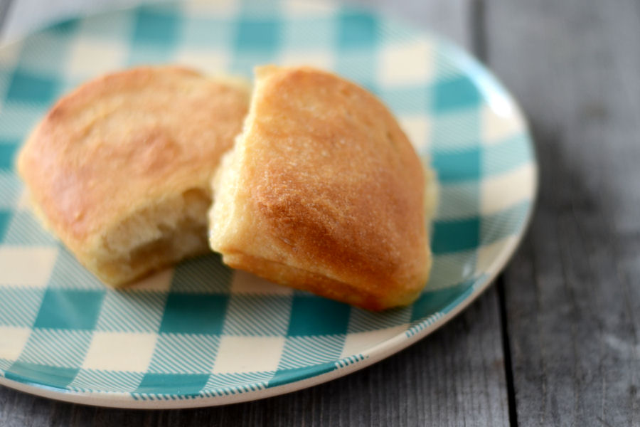 Tasty Kitchen Blog: No-Knead Dinner Rolls. Guest post by Erica Kastner, recipe submitted by TK member Terri of That's Some Good Cookin'.