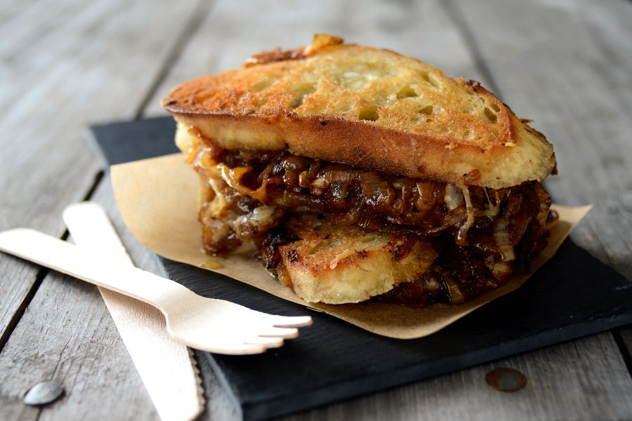 Tasty Kitchen Blog: French Onion Soup Grilled Cheese Sandwiches. Guest ...