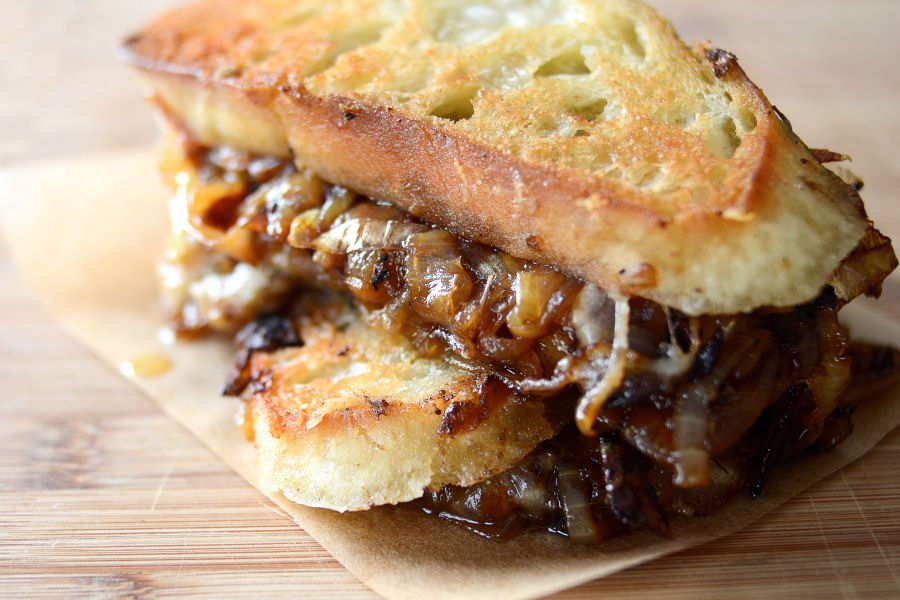 Tasty Kitchen Blog: French Onion Soup Grilled Cheese Sandwiches. Guest post by Erica Kastner of Cooking for Seven, recipe submitted by TK member Laurie of Simply Scratch. (Original recipe by Jessica of Portuguese Girl Cooks.)