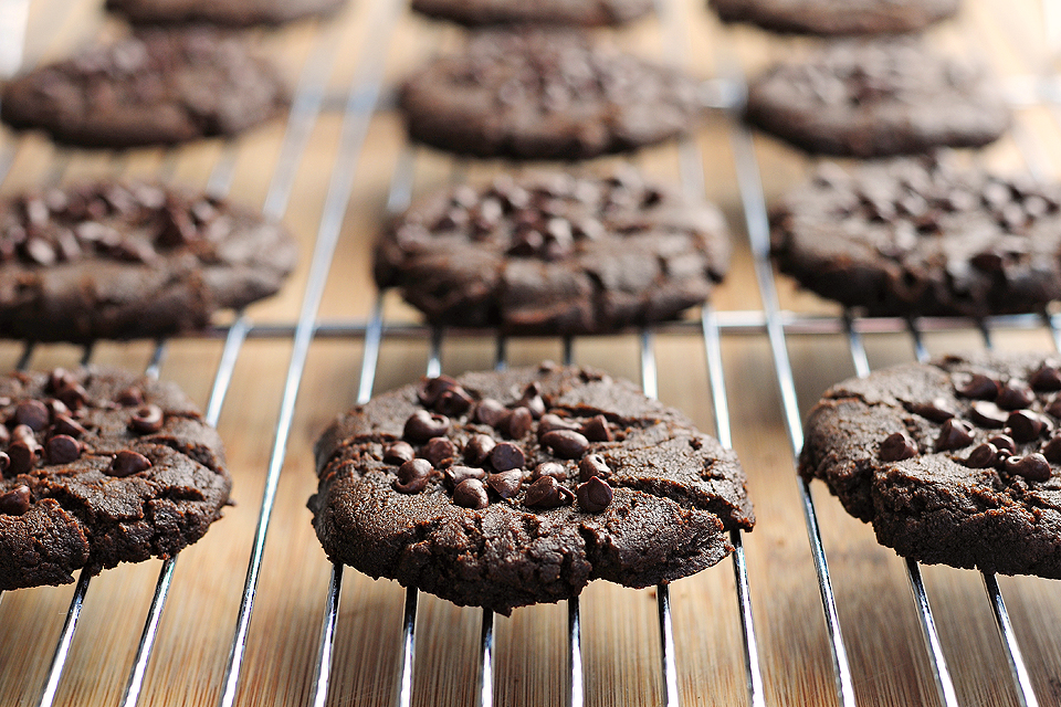 Tasty Kitchen Blog: Thick and Chewy Chocolate Chip Peanut Butter Cookies. Guest post by Amy Johnson of She Wears Many Hats, recipe submitted by TK member Anna of Crunchy Creamy Sweet, adapted from Joy the Baker.