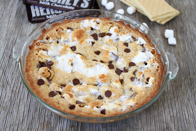 Tasty Kitchen Blog: S'mores Pie. Guest post by Maria Lichty of Two ...