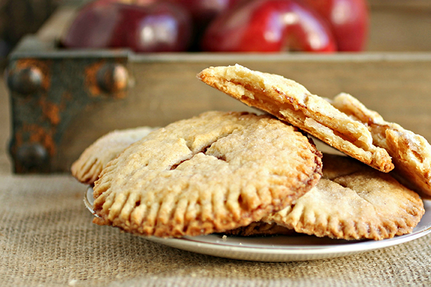 Tasty Kitchen Blog: Looks Delicious! (Apple Pie Cookies, from TK member Anita of Hungry Couple)