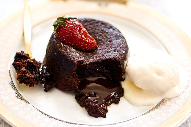 Tasty Kitchen Blog: Looks Delicious! Valentine Treats (Molten Lava Chocolate Cake from TK member Sips and Spoonfuls)