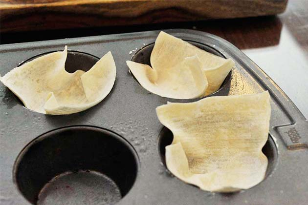 Tasty Kitchen Blog: Skinny Crab Rangoon. Guest post by Georgia Pellegrini, recipe submitted by TK member Dara of Generation Y Foodie.